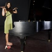Pauline with her piano shooting her video