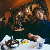 guy garvey in a cafe