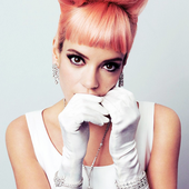Lily Allen / Photographed by Simon Emmett