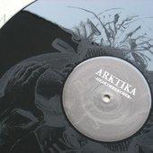Arktika | heartwrencher LP | black vinyl with etching