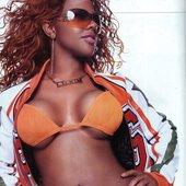 Kim in orange