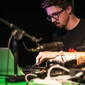 Reuben Ingall live at Playful Sound 2015