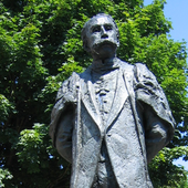 The statue of Edward Elgar