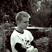 Alex McMillan / Razor Red Noise / In Viridian