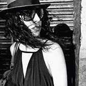 Marisa Monte por Tom Munro.