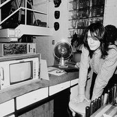 Rundgren in the kitchen, 1983 © Lynn Goldsmith/Corbis