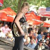 Melinda Schneider au festival country de Le Neubourg (France)