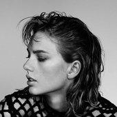 Taylor Swift Wonderland Photoshoot ♥♥