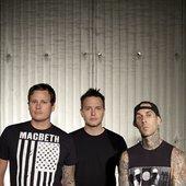 Blink-182 - http://www.b182news.com
