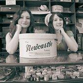 Rachel, Becky, hatbox, Beamish