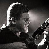 musician_GustavoSantaolalla