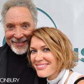 Tom Jones with Cerys From Catatonia