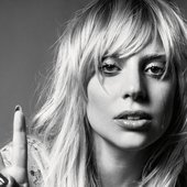 lady-gaga-natural-v-sign-wallpaper-3265.jpg