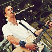 der junge mit der gitarre
