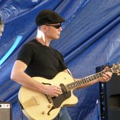 Jimi Hocking at Blues on Broadbeach 2009