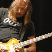 Ace Live with Pearl Jam at Madison Sq Garden_ NYC 2008