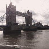 PARALOUD:London Tower Bridge