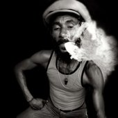 lee-scratch-perry-smoking