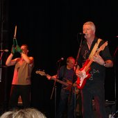 geoffrey richardson, jim leverton and pye hastings at exeter 2005