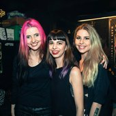 Taras - Danish girl rock trio