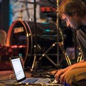 Live at TASS club, 2011, photo by Maksim Nazemtsev, from venaportae.ru