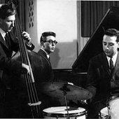 Steve Kuhn Trio