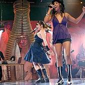 Pitty e Negra Li - Estúdio Coca Coca [MTV] (em PNG)