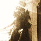 PARALOUD:Angel Statue
