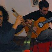 Rodrigo con el serrucho y Gonzalo