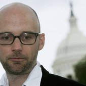 Moby in front of the White House to talk about Net Neutrality.