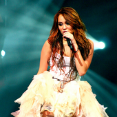 MileyRayCyrus <3