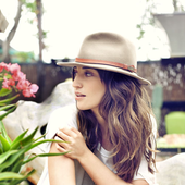 SARA BAREILLES - KALEIDOSCOPE HEART PHOTOSHOOT