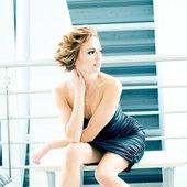 Ania Wyszkoni & Video