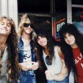 Killerhit-Brunette in L.A. Chris, Jay, Johnny, Joey