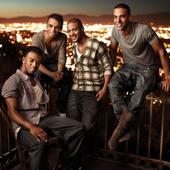 'Everybody in Love' single cover