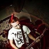 Tom: Guitar/Backing Vox