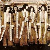 The Gentlemen - Brasil: Zé Ramalho, Carmélio, Celso, Enilton, Valmir, Joca e Huguinho