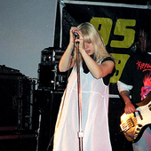 Eve's Plum performing live in 1994.
