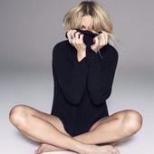 Ellie-Goulding-Just-In-Case-2016.png
