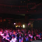 House of Blues crowd for Idiginis