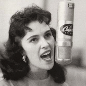 Wanda Jackson at-capitol-records
