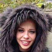 Sharon Kovacs' Pelz