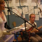 Uninhabitable Mansions at WFMU studios (Sep 08) - 2