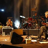 Marc Ribot's Ceramic Dog feat. Eszter Balint Live in Moers 2009