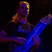 Warr guitar - Sylvain Bayol