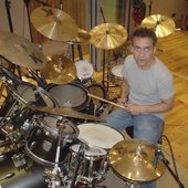 Pete Zeldman drumming