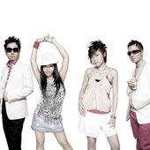 m-flo ♥ EMYLI & YOSHIKA