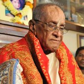 Bhimsen Joshi upon receiving the Bharat Ratna