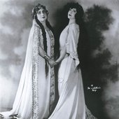 Marion Telva as Adalgisa and Rosa Ponselle in the title role of Bellini's Norma.
