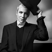 Annie Lennox by Vincent Peters.